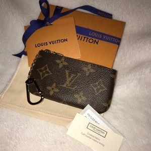 NEW Authentic LV Monogram Key pouch / Cles